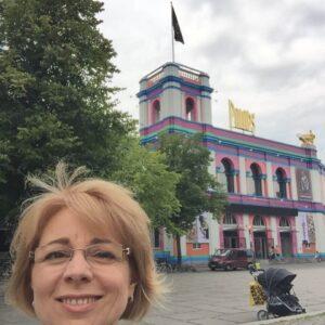 szivattyuhazbol_lett_palota_bejarata1